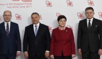 Representantes de los seis países que acudieron al CEDC