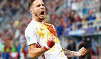 Saúl celebra su gol.