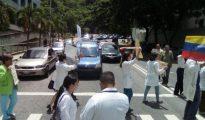 Los médicos venezolanos protestan por la falta de insumos en el país
