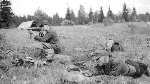 Hermanos del bosque, practicando para enfrentarse a los soviéticos- Estonica.org