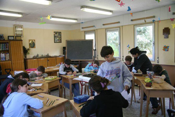 Un día de clase en Nomadelfia