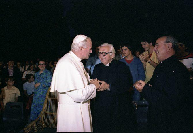 Visita del Papa Juan Pablo II a la comunidad de Nomadelfia en 1989