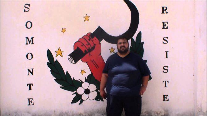 No es un fotograma berlanguiano, es Óscar Reina, portacoz del sindicato andaluz SAT.