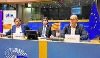 Junqueras, Puigdemont y Romeva, en una conferencia en instalaciones del Parlamento europeo, en enero de este año