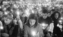 Una vigilia con velas por Miguel Ángel Blanco en la madrugada del sábado 12 de julio de 1997.