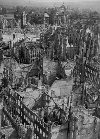 La otrora joya del barroco reducida a escombros