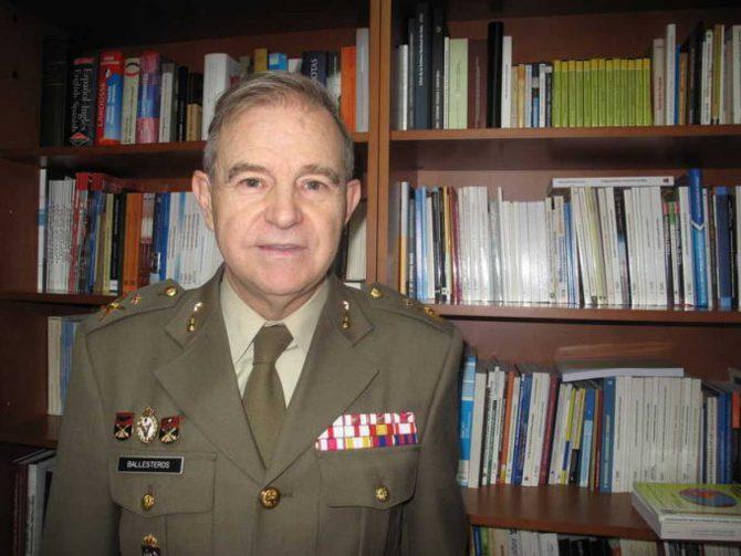 El general Miguel Ángel Ballesteros