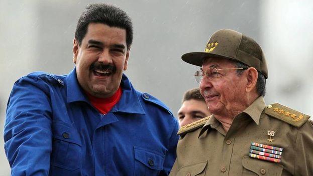 Nicolás Maduro y Raúl Castro.