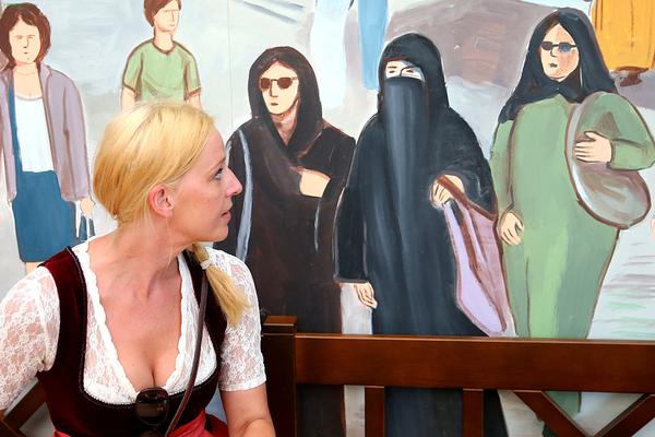 Si Occidente sigue traicionando el valor democrático de la libertad individual, los fundamentalistas islámicos que impusieron el burka a las mujeres libias harán lo mismo a las occidentales. (Foto: Alexander Hassenstein/Getty Images).