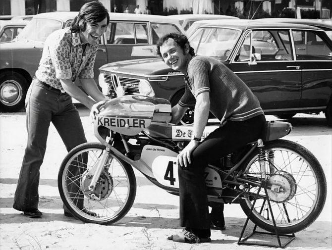 Ángel Nieto y Jan de Vriesn en 1971.