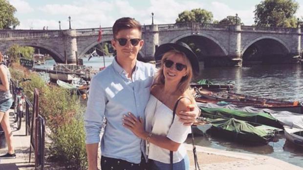 Michael Randall viajó de Reino Unido a Alemania con el pasaporte de su novia sin que la aerolínea lo notase