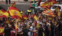 Imagen de la protesta contra la asamblea de Podemos a favor del referéndum ilegal en Cataluña.