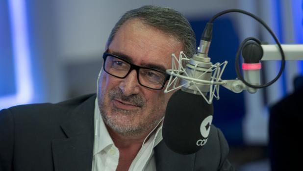 Carlos Herrera.