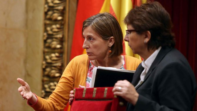 La presidenta del Parlament de Cataluña, Carme Forcadell, tras aprobarse la ley de ruptura.