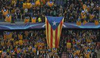 Grada del Nou Camp llena de banderas independentistas.