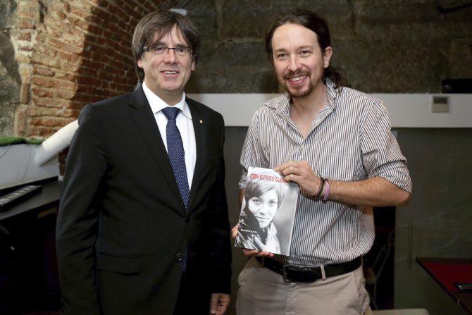 Puigdemont e Iglesias.
