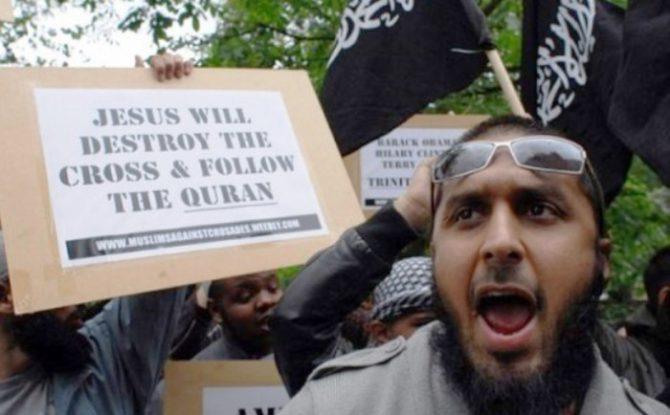 """""""Jesús va a destruir las cruces y seguir el Corán"""""""