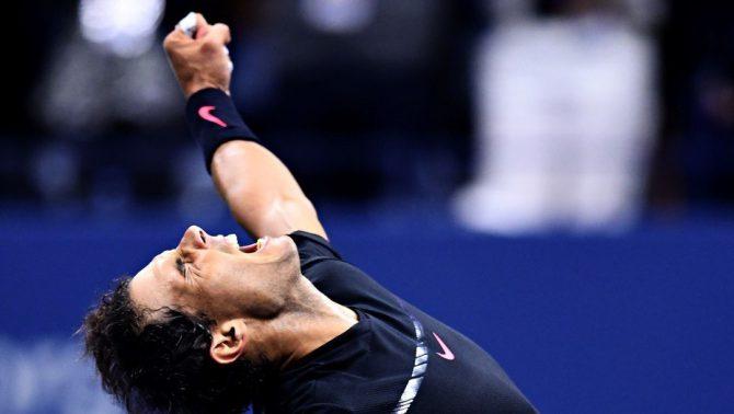 Así festejó Rafael Nadal su triunfo ante Del Potro para meterse en la final.