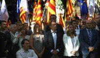 El expresident de la Generalitat Artur Mas (c), junto a los dirigentes del PDECAT, en la celebración de la Diada.