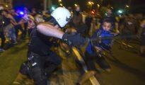 Choques entre policías y manifestantes en Murcia.