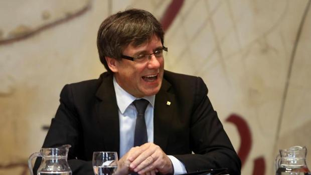 Puigdemont, en la reunión del gobierno catalán, este martes
