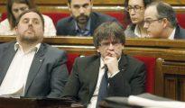 El presidente de la Generalitat, Carles Puigdemont, junto al vicepresidente Oriol Junqueras