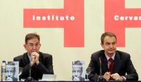 Suso de Toro y José Luís Rodríguez Zapatero en la presentación del libro sobre el expresidente (ABC)