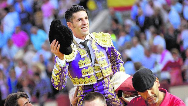 Alejandro Talavante sale a hombros del coso del Paseo de Zorrilla