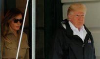Donald Trump, junto a su esposa Melania, visitó ayer las zonas afectadas por el huracán Harvey