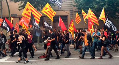 Independentistas protestan contra el 12 de Octubre en Mataró