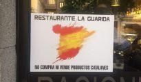 """El cartel de un catalán en su restaurante de Madrid: """"No compramos ni vendemos productos catalanes"""""""