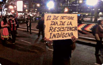 El Parlamento de Navarra, en manos de los anexionistas vascos y de la extrema izquierda, ha aprobado cambiar el Día de la Hispanidad que se celebra el 12 de Octubre por el del Día de la Resistencia Indígena.