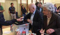 Jordi Pujol votando en el referéndum ilegal del 1-O junto a su esposa, Marta Ferrusola.