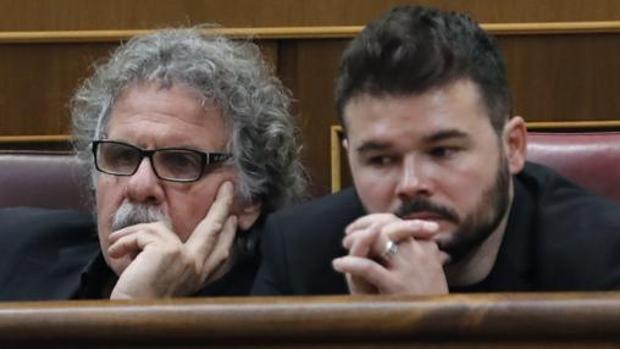 Tardá y Rufián, en sus escaños del Congreso