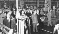 Inauguración de la fábrica de Barcelona por Francisco Franco