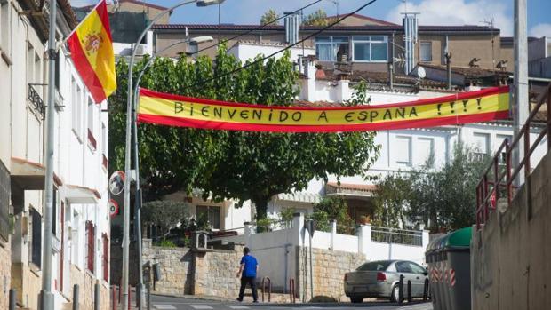 ¡Acceso al barrio de Vila-Roja, en las afueras de Gerona (ABC)