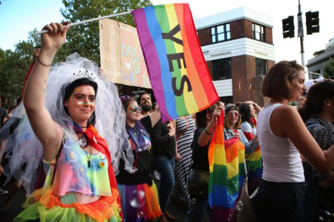 Miles de personas salieron a la calle celebrar el resultado de la votación mayoritariamente a favor del Si del matrimonio homosexual.