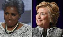 Hillary Clinton (d) y la ex jefa del partido demócrata Donna Brazile