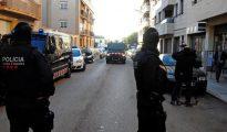 Los Mossos d'Esquadra están registrando dos viviendas de Sant Pere de Ribes (Barcelona)