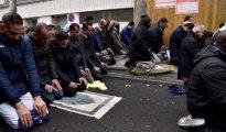 Oración callejera en Clichy del pasado viernes 10 de noviembre