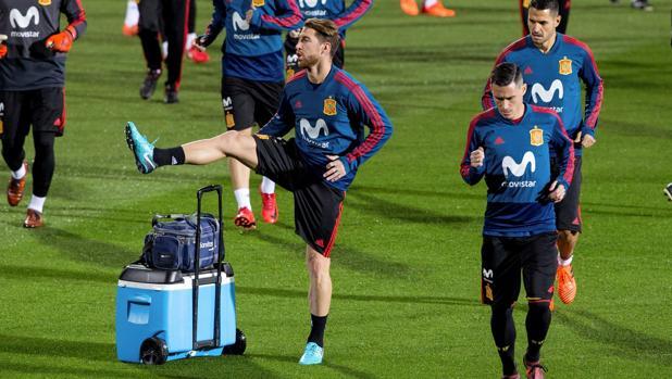 Sergio Ramos, Callejón y Vitolo, durante el entrenamiento del martes en Las Rozas.
