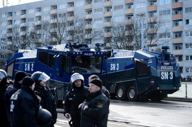 Policía antidisturbios en Leipzig, Alemania, el 18 marzo de 2017. (Foto: Jens Schlueter/Getty Images).