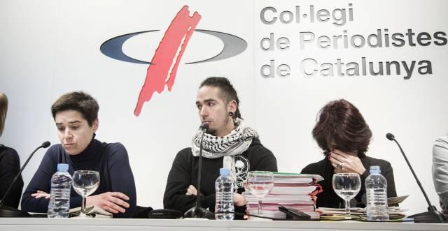 Rodrigo Lanza ofreciendo una rueda de prensa en el Colegio de Periodistas de Cataluña.