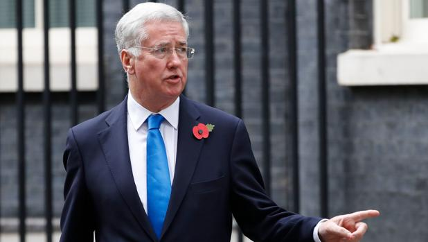 Michael Fallon, ministro de Defensa de May que dimitió por un escándalo sexual