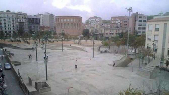 Imagen de la plaza de la Constitución, con la Subdelegación del Gobierno al fondo. Google Maps