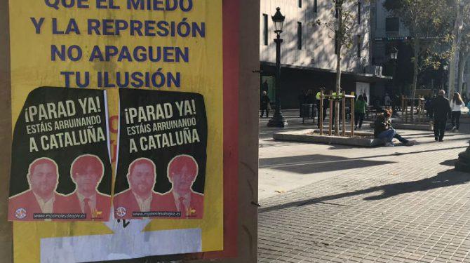 Carteles en Cataluña culpando a Puigdemont y Junqueras de la situación económica.
