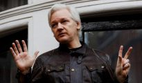 Fotografía de archivo del fundador de Wikileaks, Julian Assange, en la embajada de Ecuador en Londres