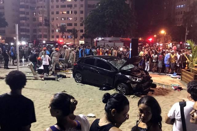 El conductor, un hombre de 41 años según medios locales, argumentó que sufrió un ataque epiléptico.