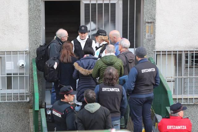 Bloque de viviendas en el que fueron encontrados los cadáveres de dos ancianos en Bilbao