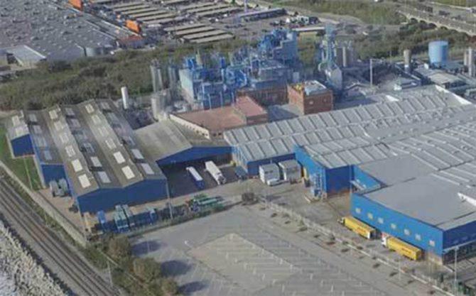 Planta de producción de BlueSun en Mataró (El Periódico)